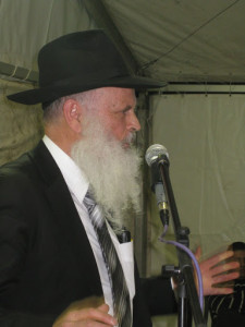 Moshe Elkman speaking at One State Conference at Havat Gilad in Israel